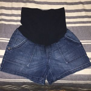 Oh baby by motherhood small Jean shorts maternity